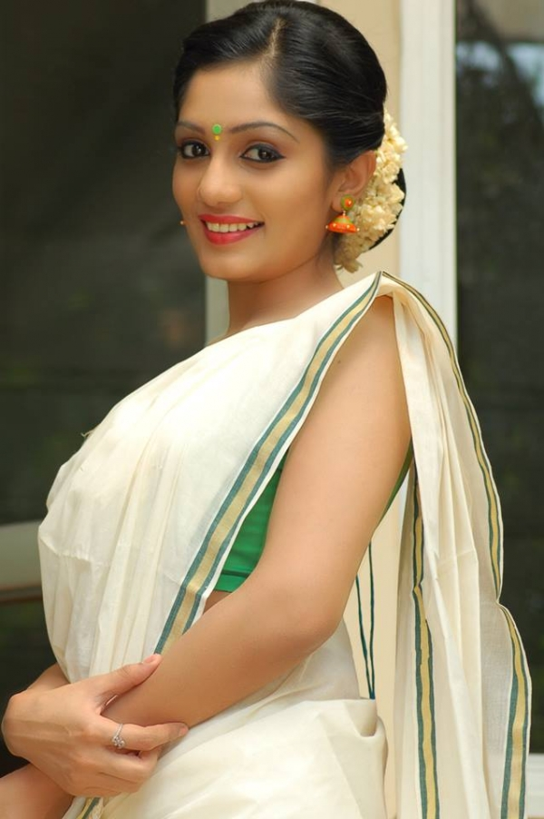 Arya Photos